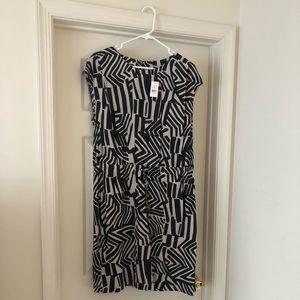 LOFT dress with fun pattern and drawstring waist.